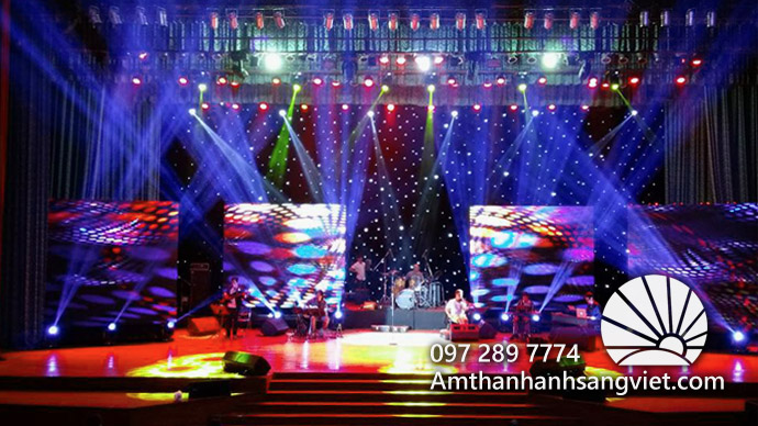 Hệ thống thiết bị âm thanh ánh sáng sân khấu trong sự kiện
