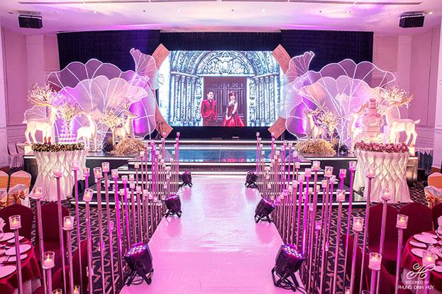 sân khấu đám cưới đẹp và ấn tượng
