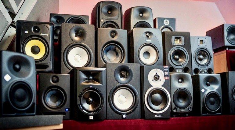 nên mua dàn âm thanh của hãng nào
